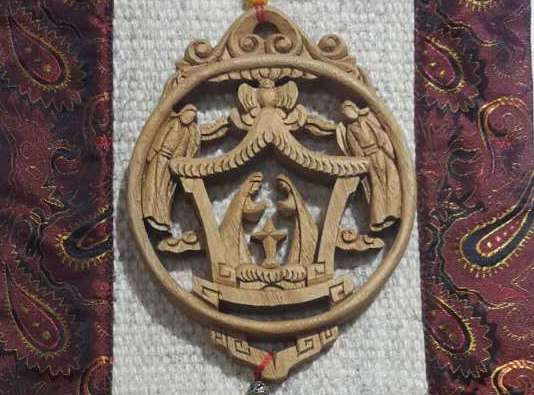 <p>Wood-carver Small Nativity Knot&nbsp;</p>