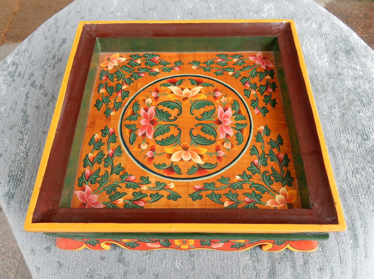<p>Tsedo &amp; Dawa Square Tray (small)&nbsp;</p>