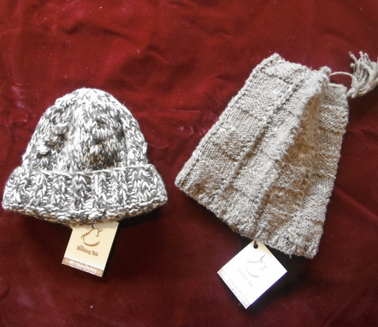 <p>Rocking Yak Knitted Yak Wool Hats&nbsp;</p>