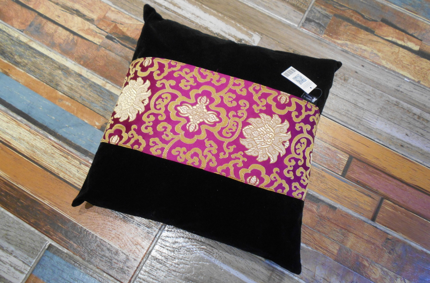 <p>Cushion Cover&nbsp;</p>