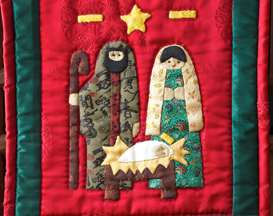 Hearts & Hands Christmas Quilts