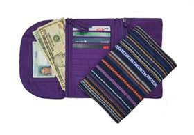 <p>Large Trifold Wallet&nbsp;</p>