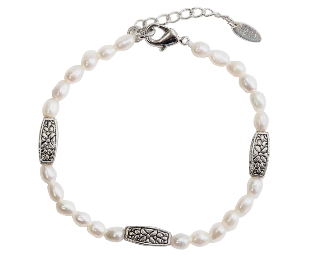 <p>Eden Graceful Pearls Bracelet&nbsp;</p>