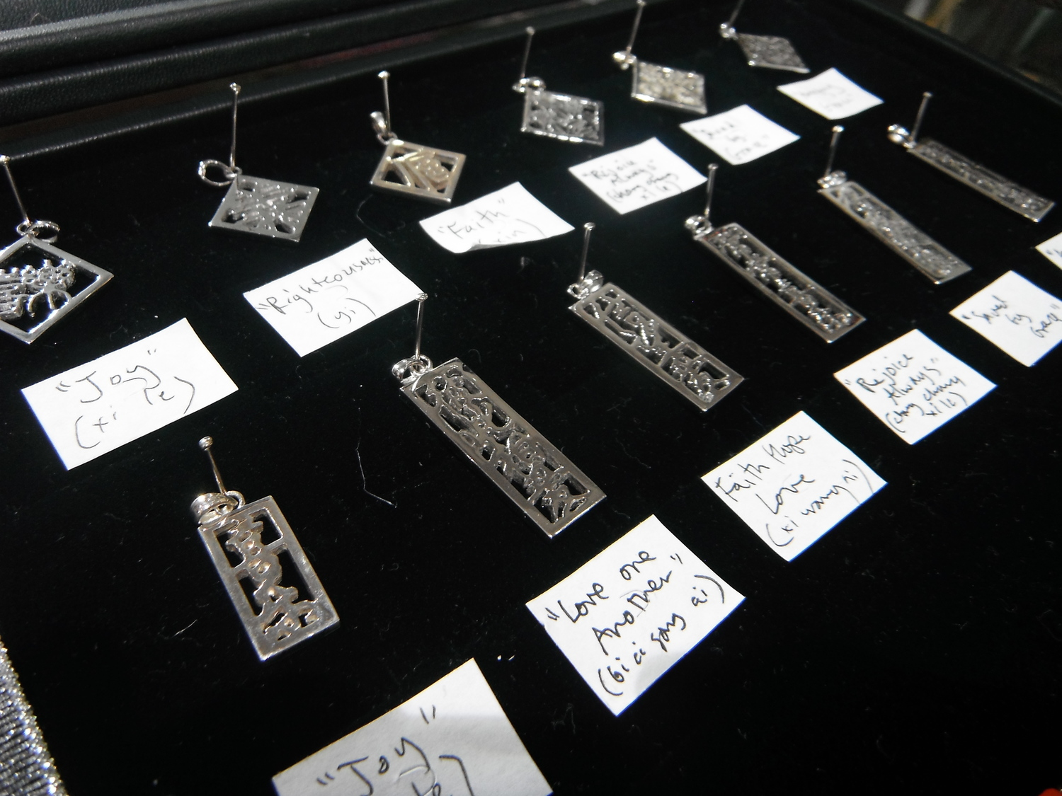 <p>Silver Pendants (large)&nbsp;</p>