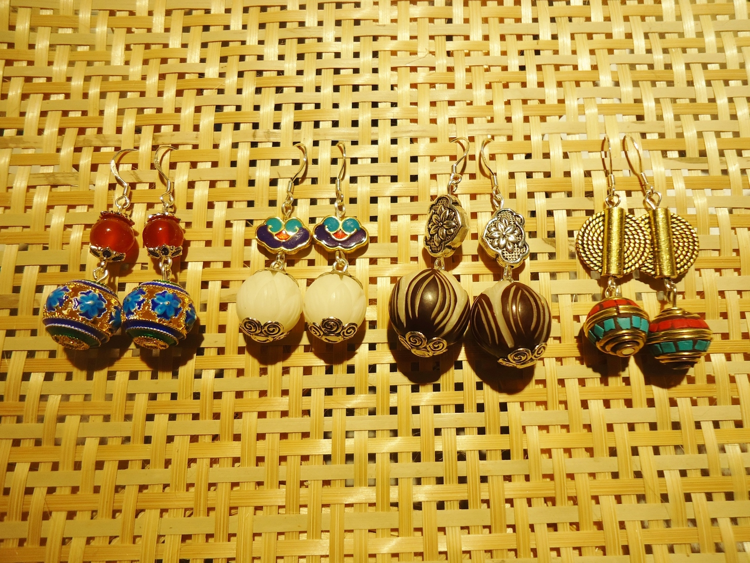 Earrings (e) by Mary of Dongxiang