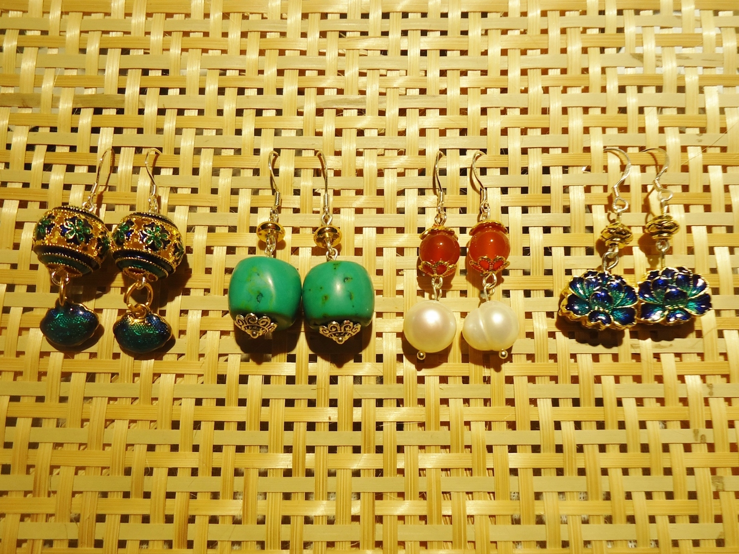 Earrings (c) by Mary of Dongxiang