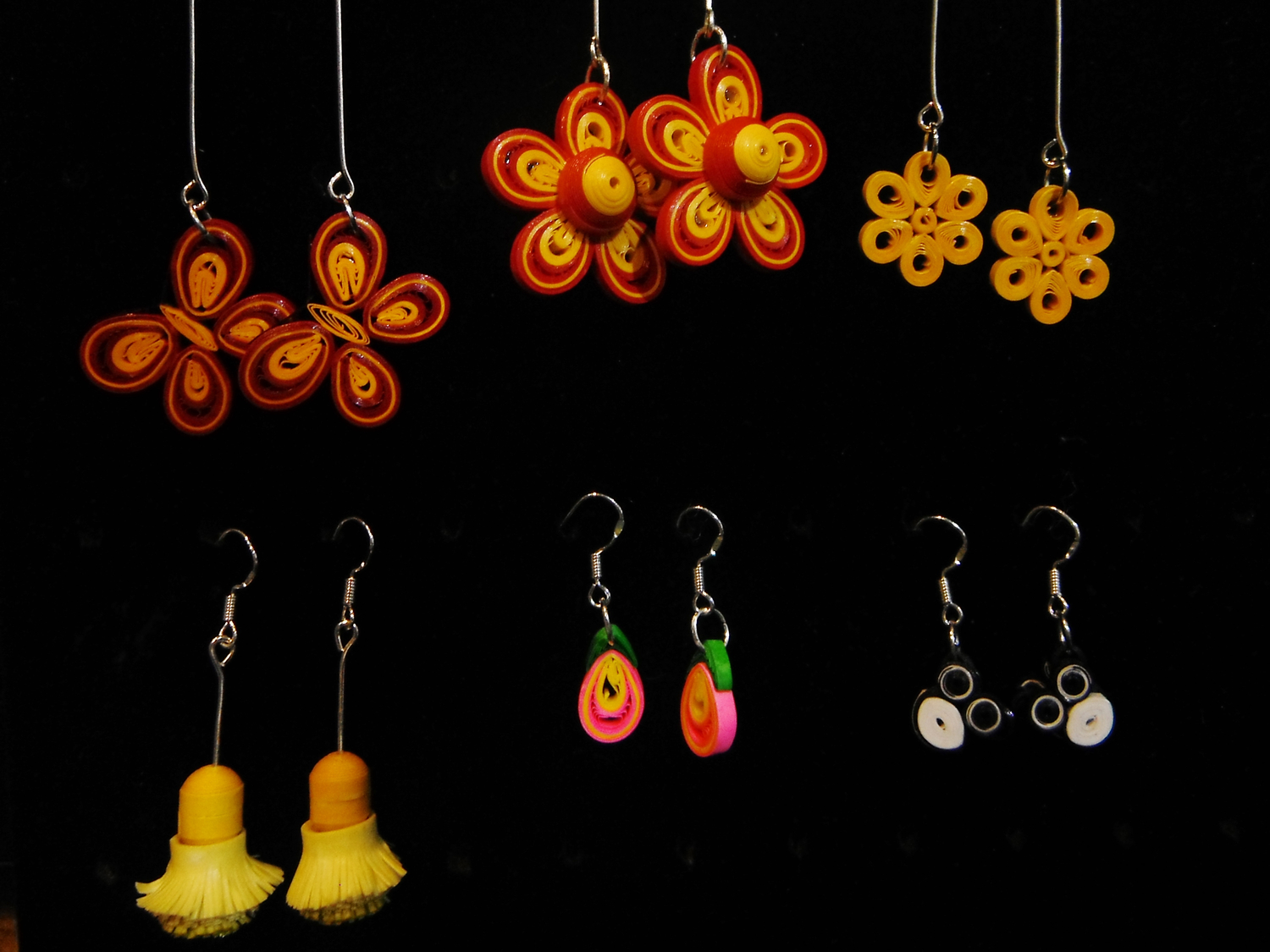 <p>Xiaoqin Quilling Earrings&nbsp;</p>